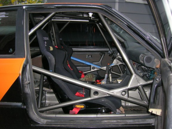 BMW e30 325i Fia Rally roll cage door bars